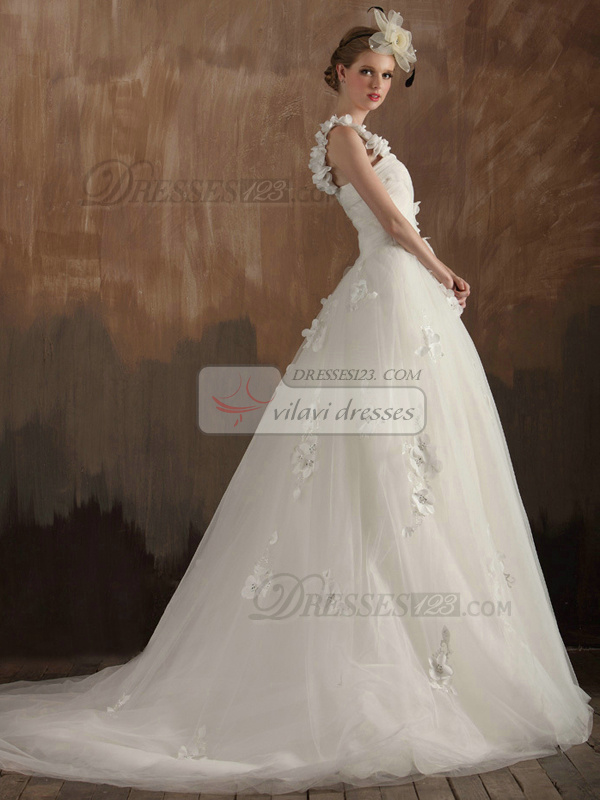 Noble A-Line One shoulder Sweetheart Sweep Train Tulle Appliques Flower Wedding Dresses