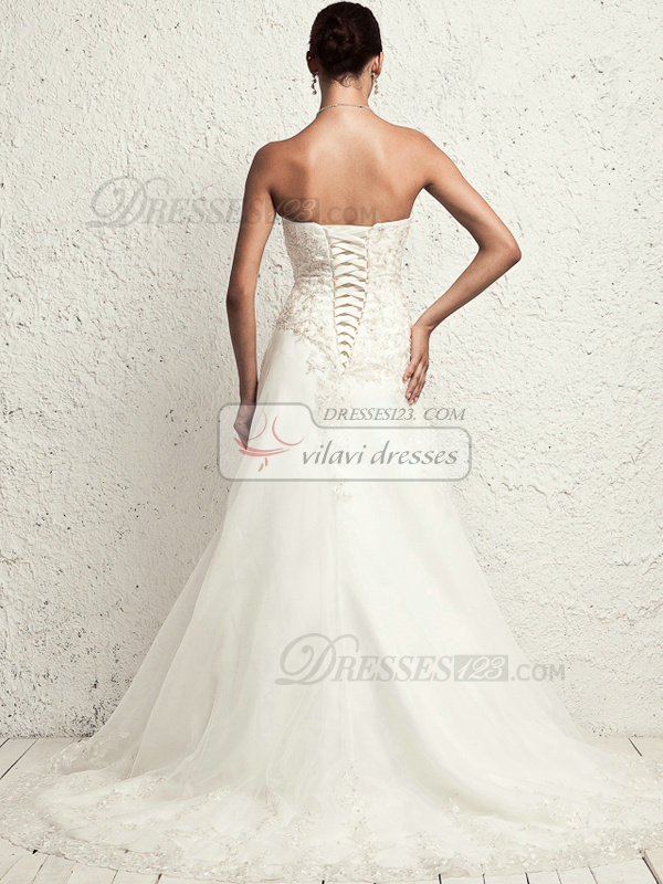 Precious A-line Sweetheart Chapel Train Appliques Wedding Dresses