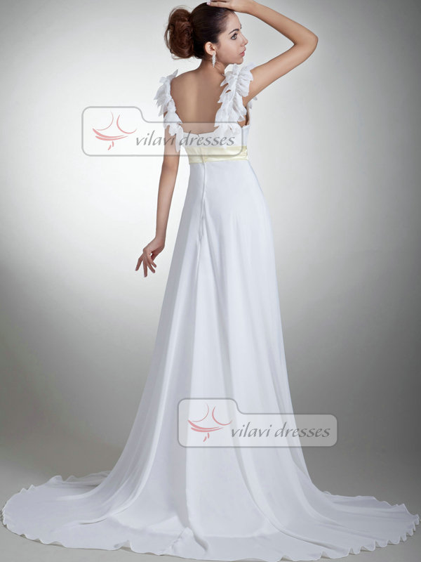 A-line Bateau Brush Train Chiffon Sashes Wedding Dresses