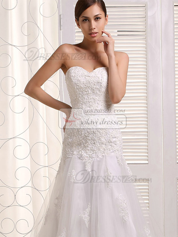 Over Hip Sweetheart Court Train Lace Wedding Dresses
