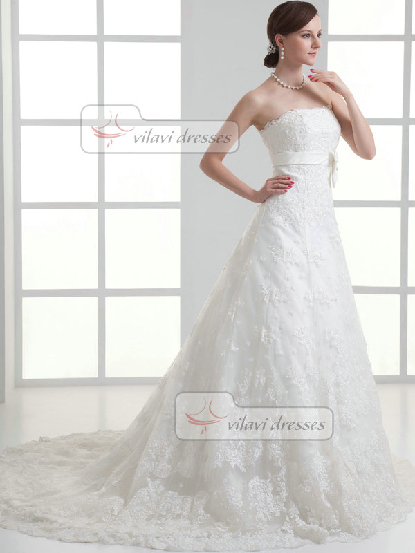 A-line Scalloped-edge Court Train Beading Bowknot Lace Wedding Dresses