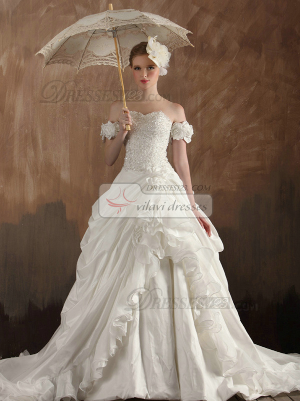 Retro A-Line Sweetheart Strapless Court Train Taffeta Cascading Ruffle Wedding Dresses