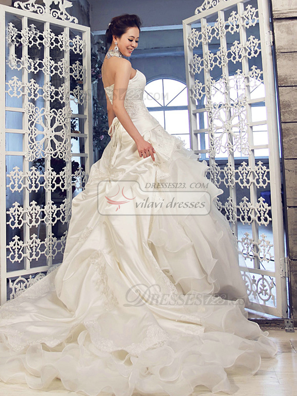 Ball Gown Tube Top Strapless Chapel Train Tulle Lace Ruffle Wedding Dresses