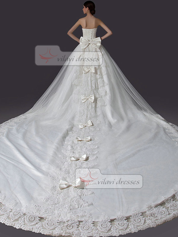 Ball Gown Strapless Chapel Train Tulle Beading Bowknot Wedding Dresses