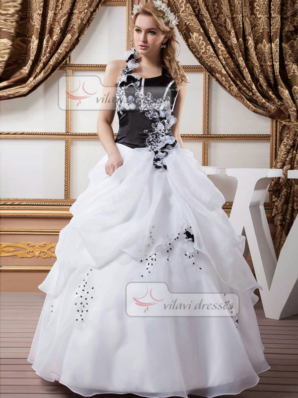 Ball Gown Halter Floor-length Organza Pick-Ups Flower Wedding Dresses