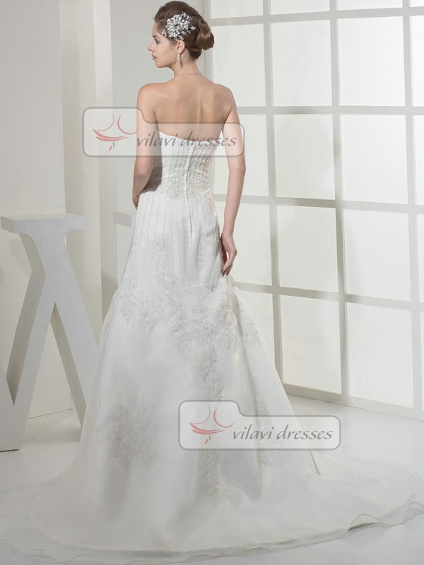 A-line Sweetheart Brush Train Organza Beading Wedding Dresses