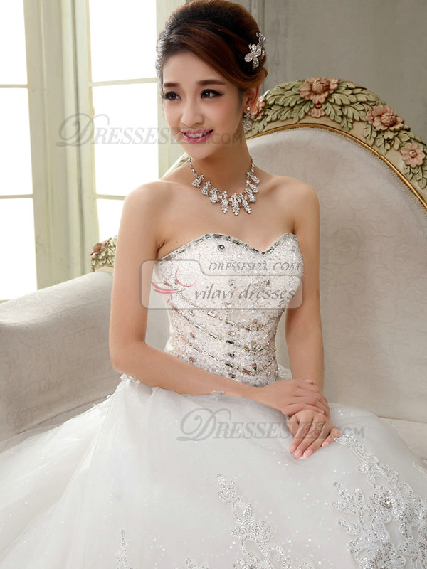 A-line Sweetheart Chapel Train Tulle Crystal Wedding Dresses