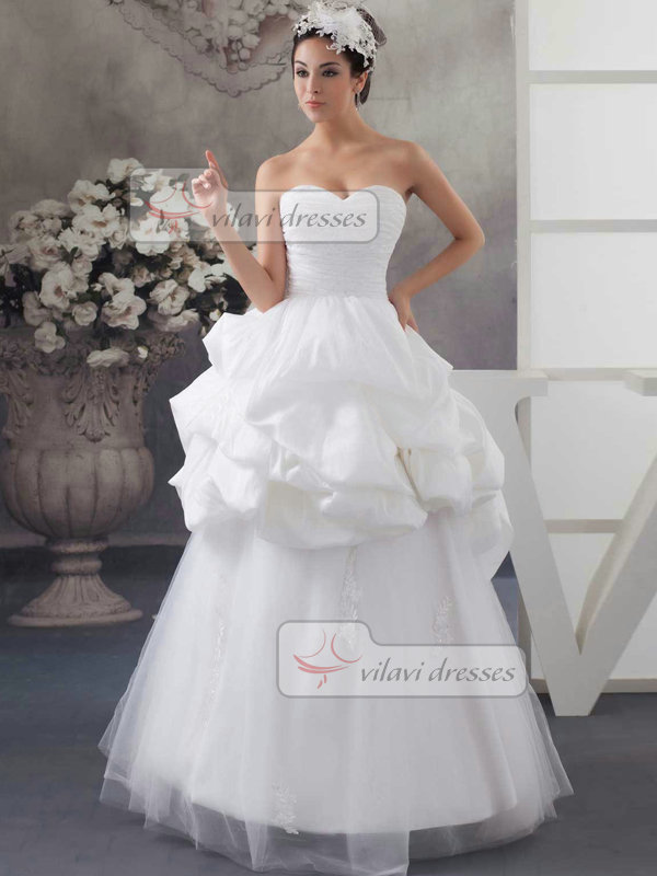 Princess Strapless Floor-length Tulle Appliques Pick-Ups Wedding Dresses