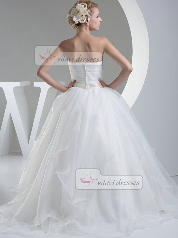 A-line Sweetheart Brush Train Organza Crystal Wedding Dresses